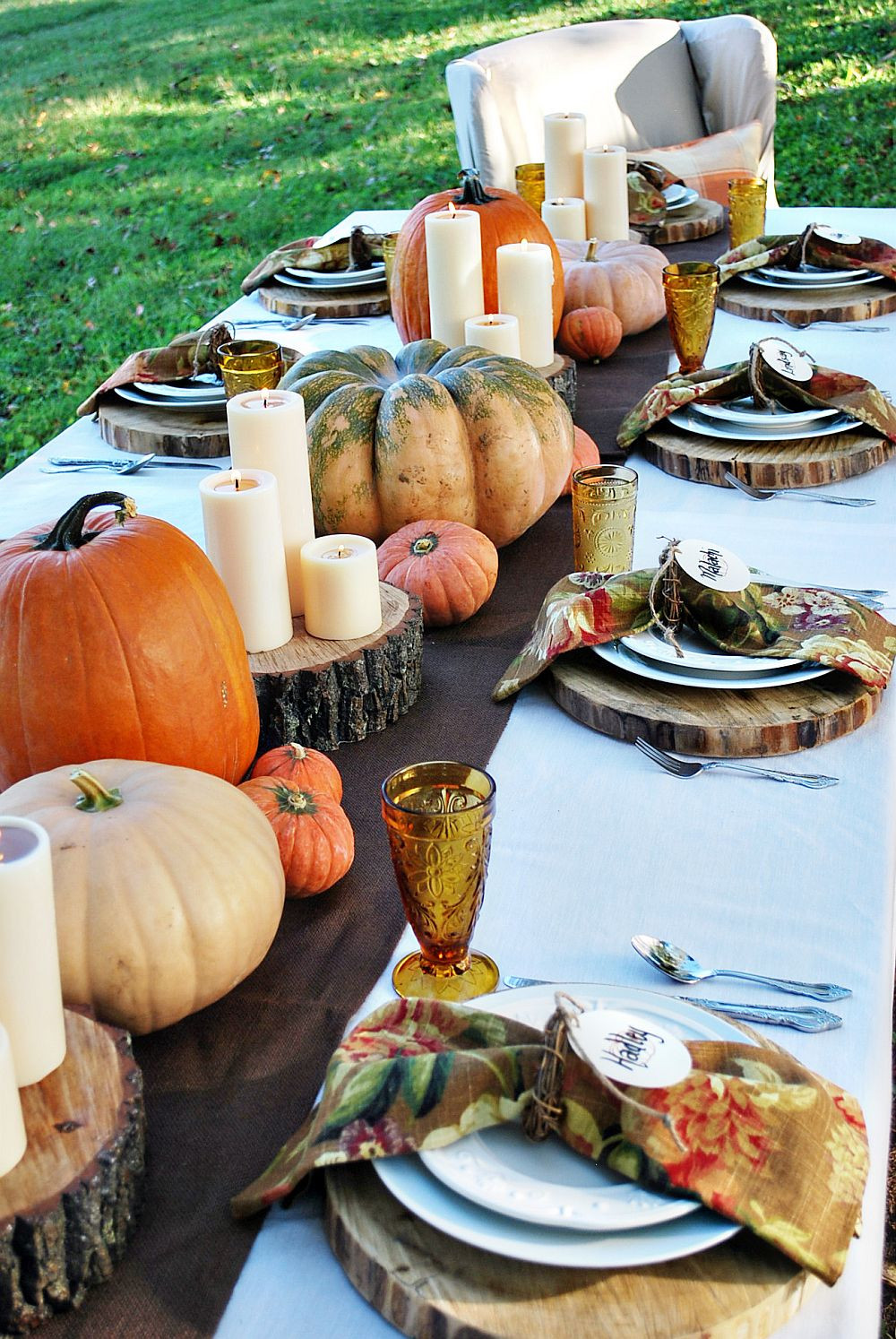 Thanksgiving Table Decor Ideas  15 Outdoor Thanksgiving Table Settings for Dining Alfresco