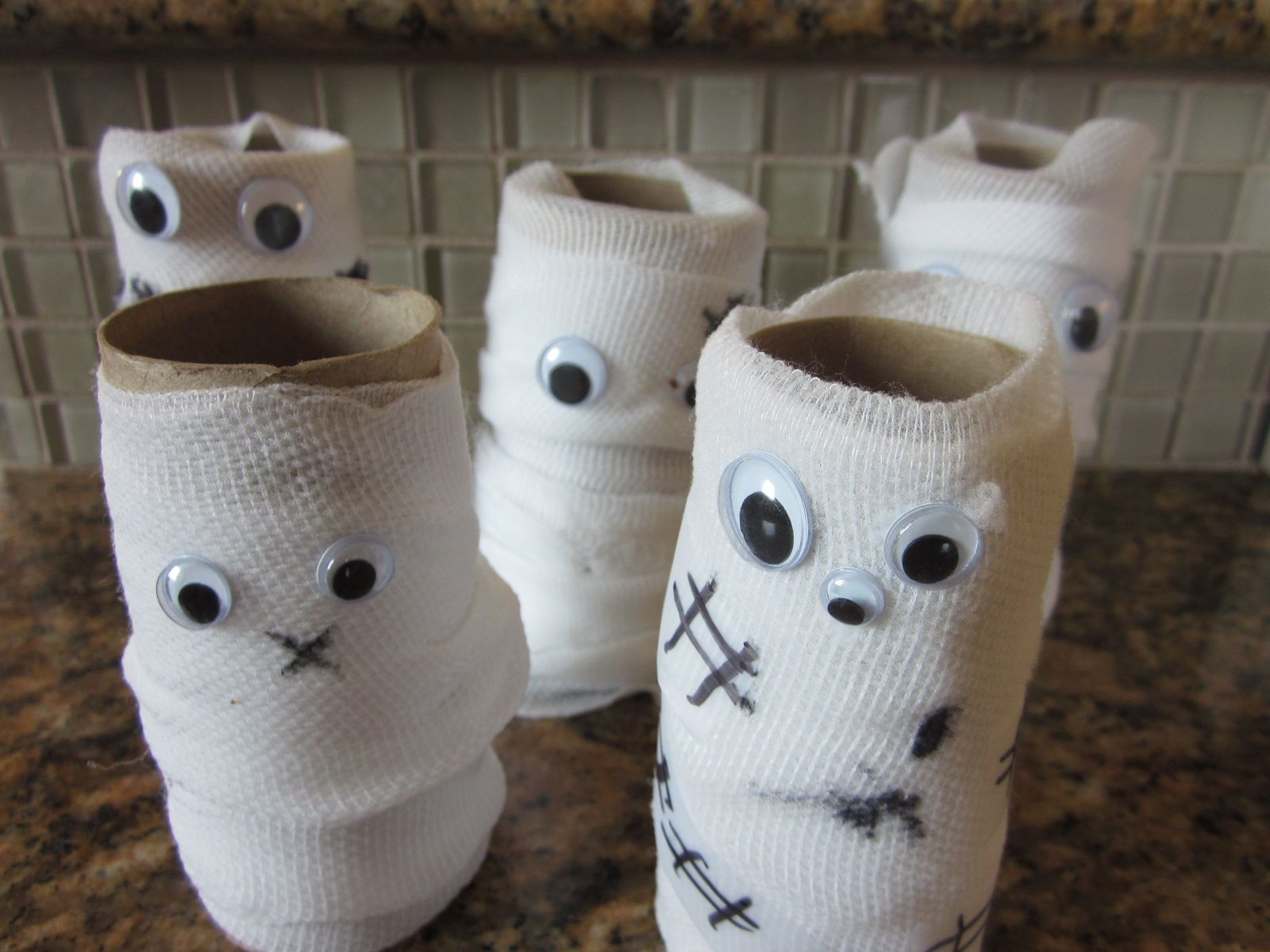 Toilet Paper Roll Halloween Decorations  Pin by Misty Gutierrez on Holiday Ideas