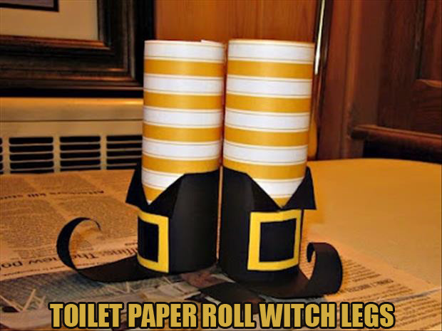 Toilet Paper Roll Halloween Decorations  Do It Yourself Halloween Craft Ideas 24 Pics
