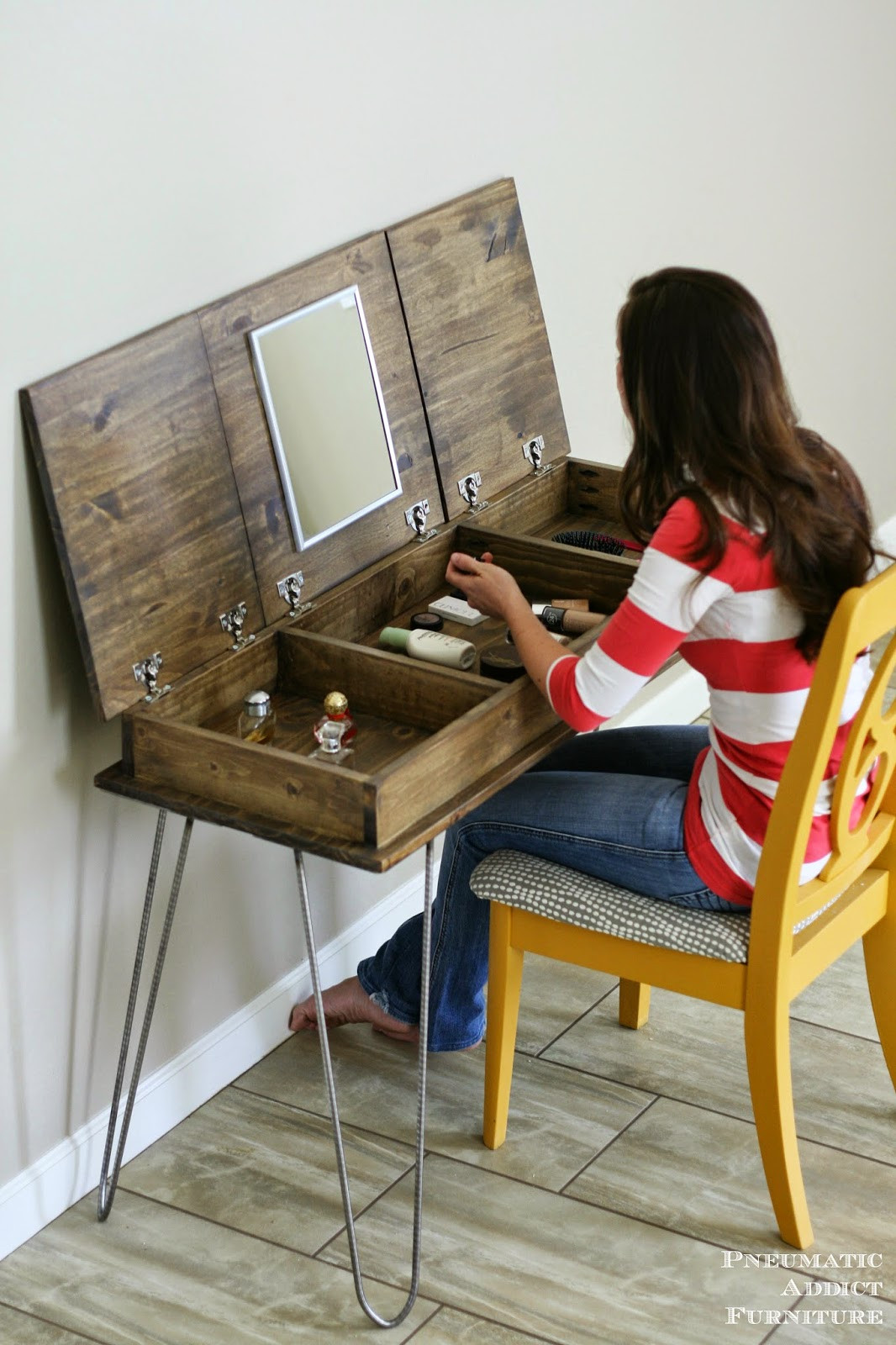 Vanity Plans DIY  Hairpin Make up Vanity [Building Plans and GIVEAWAY
