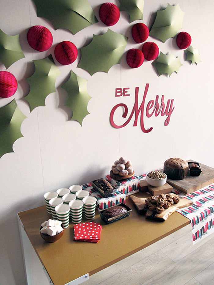 Wall Decor For Christmas  Christmas Decorations – 20 DIY Ideas You Should Try Hongkiat