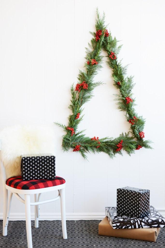 Wall Decor For Christmas  10 DIY Wall Christmas Tree Ideas – Tip Junkie